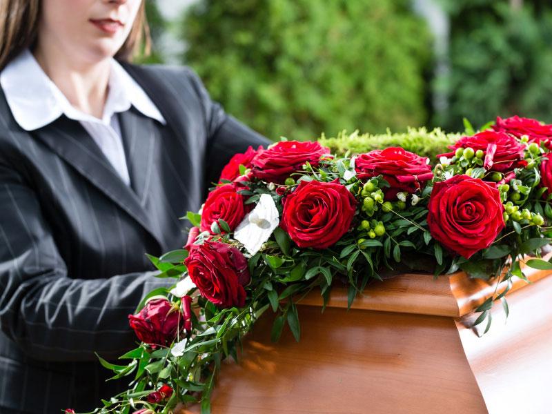 RoteRosen und Frau-Startseite-Bestattungen Hafa-Rottweil