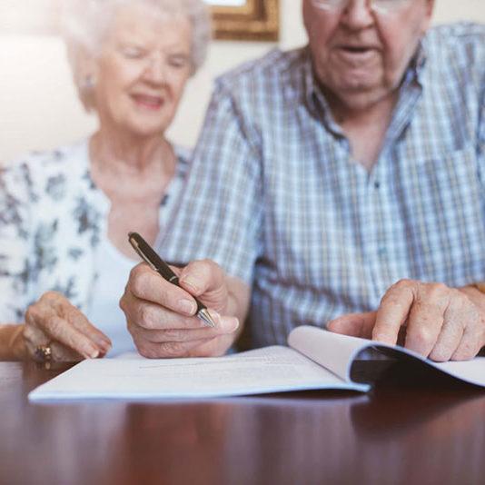 Testament unterschreiben-Richtig vorsorgen-Bestattungen Hafa-Rottweil